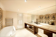 Badkamer Met Kiezelvloer : Ibiza stijl badkamer interieur t kroonhuys